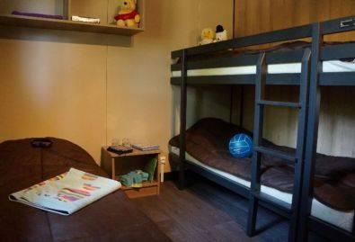 Chambre - Une chambre avec 3 lits