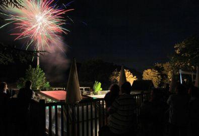 feux d'artifices - pour le 14 juillet et le 15 aout feux d'artifices